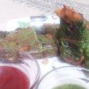 Palak Pakodas (Spinach Fritters)