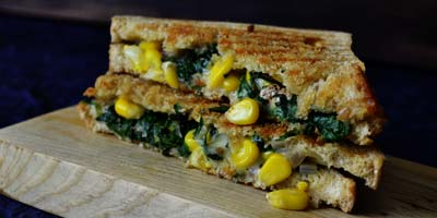 spinach-corn-sandwich-grilled-sandwich-palak-corn-sandwich-cheesy-sandwich-easy-sandwich-recipevegetarian-sandwich-recipe