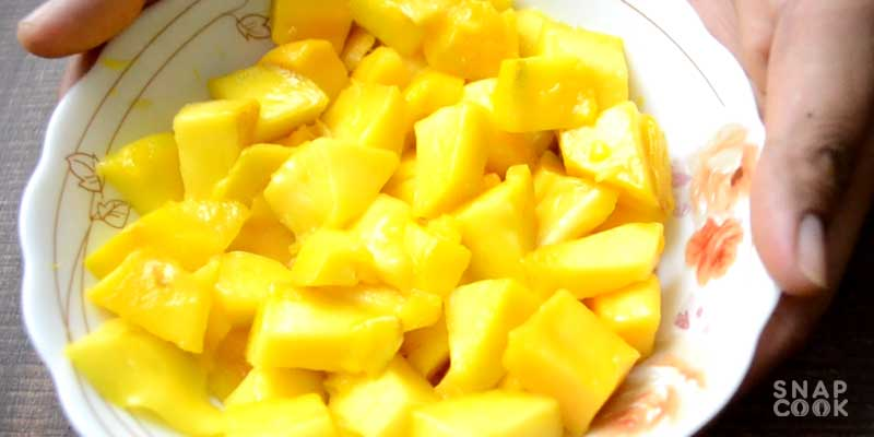 mango-ice-cream-recipe-easy-using-milk-homemade-eggless-mango