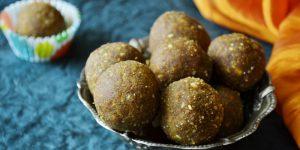 besan-laddu-besan-ke-laddu-recipe